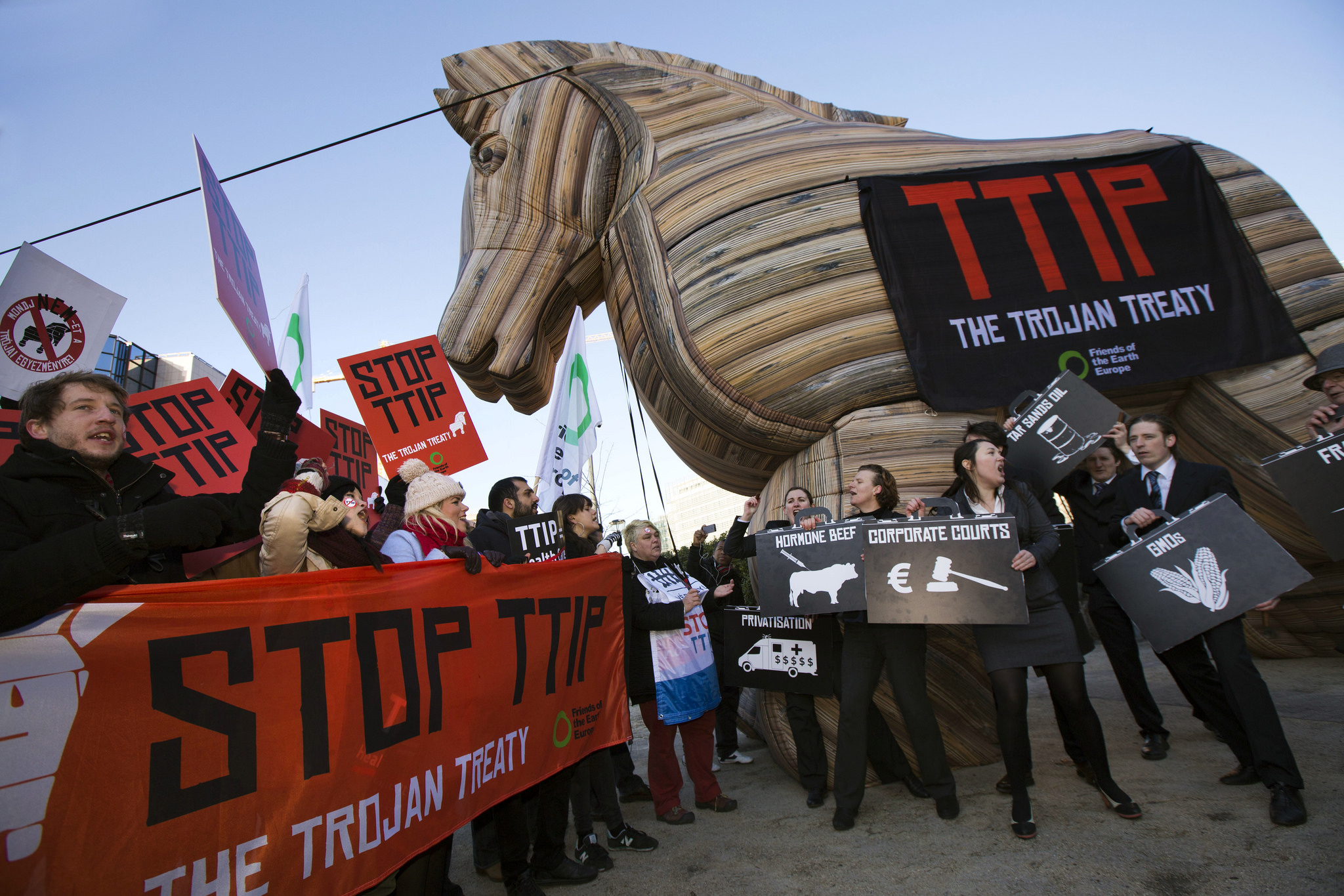 Big business orders its pro-TTIP arguments from these think tanks