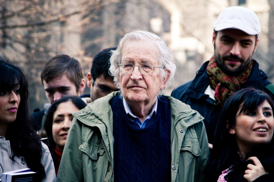 Labour party's future lies with Momentum, says Noam Chomsky