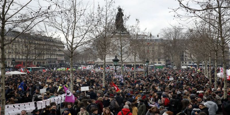 Hollande faces a large opposition movement this month