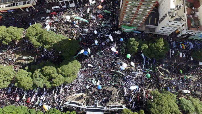Argentina: Massive Protest Against Macri's government