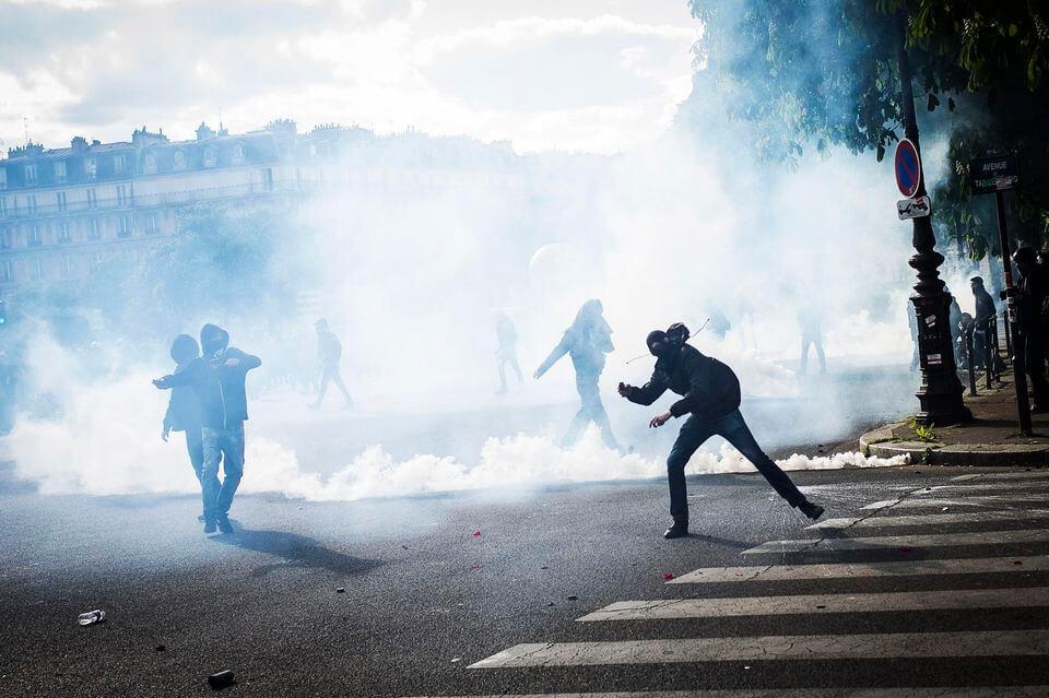 France – Intellectuels et personnalités dénoncent la stratégie du gouvernement