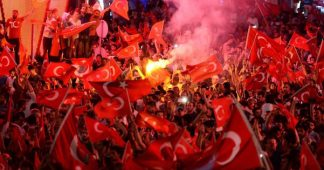 "Radicals around Erdogan call for war ""against Crusaders"""