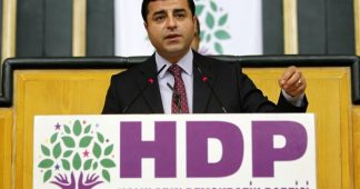 Selahattin Demirtas opposing coup attempt in Turkey