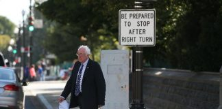 Sanders booed by House Democrats