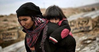 500.000 People Flee Mosul, ISIS Pushed to Syria