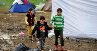 Les villes font pression sur l'UE pour offrir un refuge aux enfants migrants de Grèce