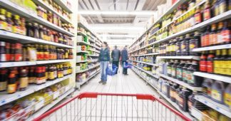 Greeks' Supermarket Spending Drops 15% in Two Years, Study Shows