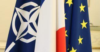 Rompre avec la France atlantiste ? – Entretien avec Hadrien Desuin