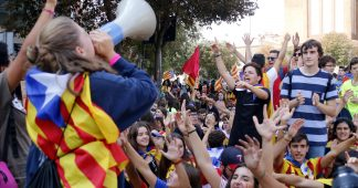 Catalan students strike in support of referendum