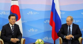 Putin talks peace with South Korean President