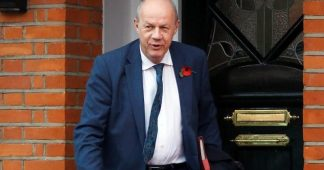 UK: Deputy Conservative leader Damian Green forced to resign by manufactured sex scandal