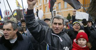 Mounting anti-Poroshenko rallies taking hold of Kiev