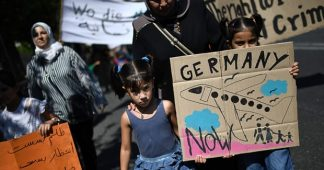Germany-EU: Destroying Greece – also with refugees!