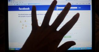 Facebook blocks sharing of WSWS anti-censorship video