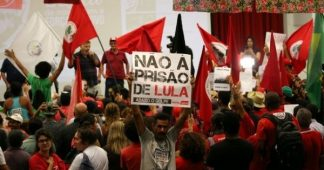 Brazilians take over the streets in defense of Lula