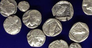 L'Eurogroupe maintient la Grèce sous le joug de la dette illégitime