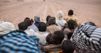 Des milliers de réfugiés contraints de marcher jusqu'à la mort dans le désert du Sahara