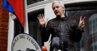 Ecuadorian Govt Partly Restores Assange's Communications