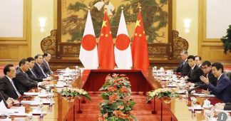 Li Keqiang and Shinzo Abe announce China-Japan deals, commit to stable relations