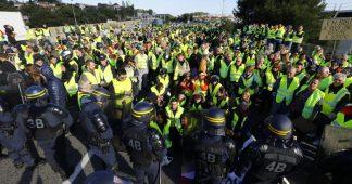 """""""Nous irons plus loin"""" : les """"gilets jaunes"""" écrivent à Emmanuel Macron et annoncent un acte 8"""