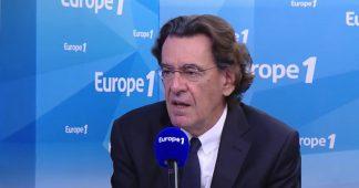 """Luc Ferry sur les """"gilets jaunes"""" : """"La seule solution pour Macron, c'est une dissolution de l'Assemblée nationale"""