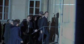 Emmanuel Macron hué et insulté à sa sortie de la préfecture du Puy-en-Velay