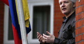 "UK gave ""guarantees"" for Assange to leave embassy – Assange rejects the deal"