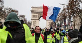 Gilets jaunes : incidents sur les Champs-Élysées (15 décembre 2018, Paris) [4K]