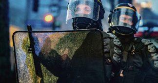 Filmer la police est un droit : deux policiers jugés coupables de vol d'usage