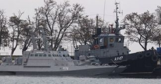 Russia-Ukraine stand-off over Azov Sea continues as Poroshenko declares martial law