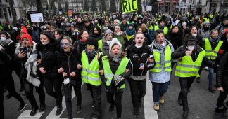 Yellow Vests keep the pressure all over France