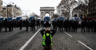 Police must end use of excessive force against protesters and high school children in France