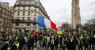 More Yellow Vests demonstrate all over France despite regime's repression and terrorist threats!