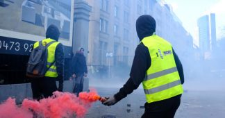 France's Yellow Vest Protesters: Unleash Chaos by Withdrawing All Money From Banks