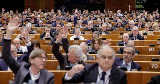EU 'risks pushing Venezuela towards civil war' after parliament recognises Guaido