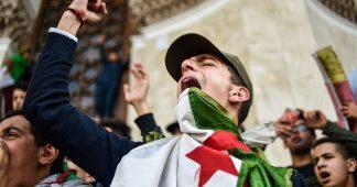 Révolte en Algérie : l'appel de Mohammed Harbi et Nedjib Sidi Moussa