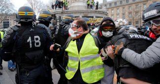 Des policiers témoignent: «On est obligé d'accepter des instructions illégales»