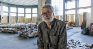 Building a new life: Secondhand bookstore run by homeless in Athens