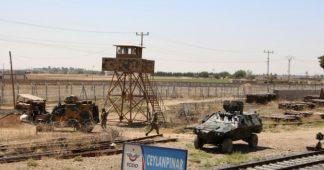 Pentagon Warns Turkey Against 'Retaliation' as Troops Mass on NE Syria Border