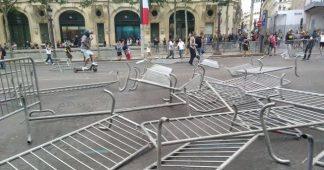 14 juillet : les Gilets jaunes montent des barricades sur les Champs Elysées