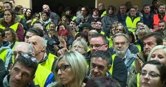 Montceau-les-Mines : des gilets jaunes de toute la France font le point sur la suite du mouvement