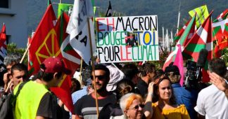 Yellow vests protest hits Paris as G7 summit kicks off in Biarritz