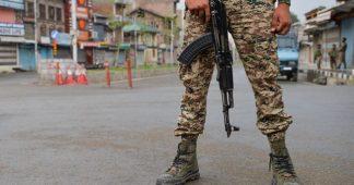 Indian assault on Kashmir in third week, thousands arrested