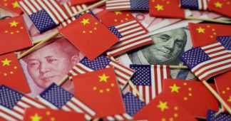 China hits back at 'currency manipulator' label as Donald Trump ratchets up US trade war