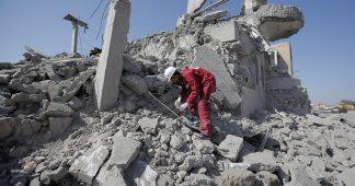 Houthis: Saudi-led coalition bombs Yemen prison, kills dozens
