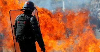«Point de rassemblement et de grogne» pour l'acte 44 des Gilets jaunes, Nantes entre gaz lacrymo et cocktails Molotov