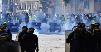« Gilets jaunes » : des heurts lors de manifestations à Rouen et à Montpellier