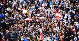 Massive revolt situation in Lebanon