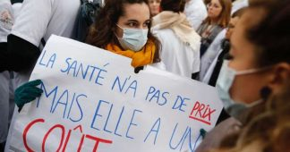 Hôpitaux : face aux milliers de manifestants, Macron annonce un « plan d'urgence conséquent »