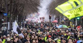 Protests in Paris as public transport strike hits day 24